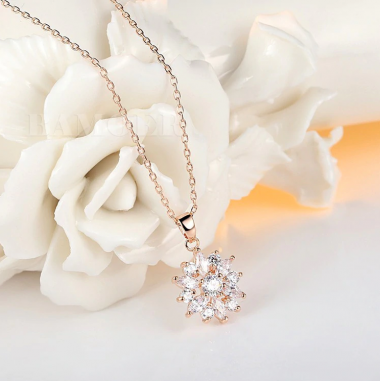 Luxury Flower - Colier placat Rose Gold